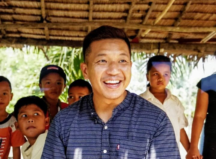A third-generation missionary kid, Hudson Kim spent 15 years in alcohol and drug addiction. But everything changed when he encountered God. Now, he is a missionary with Youth With A Mission Singapore and is married with two daughters. All photos courtesy of Hudson Kim.